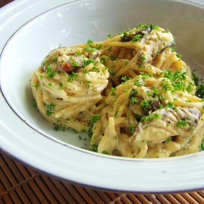 Creamy Mushroom and Sausage Spaghetti- Carbonara