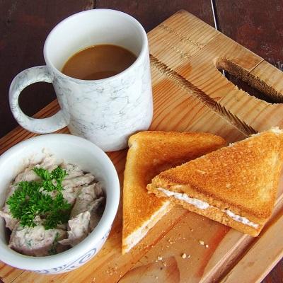 Liver Spread and Cream Cheese Sandwich